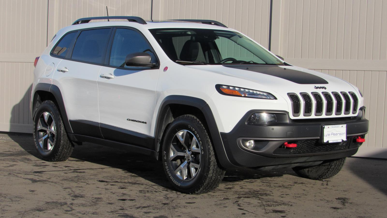 Pre Owned 2016 Jeep Cherokee 4wd 4dr Trailhawk