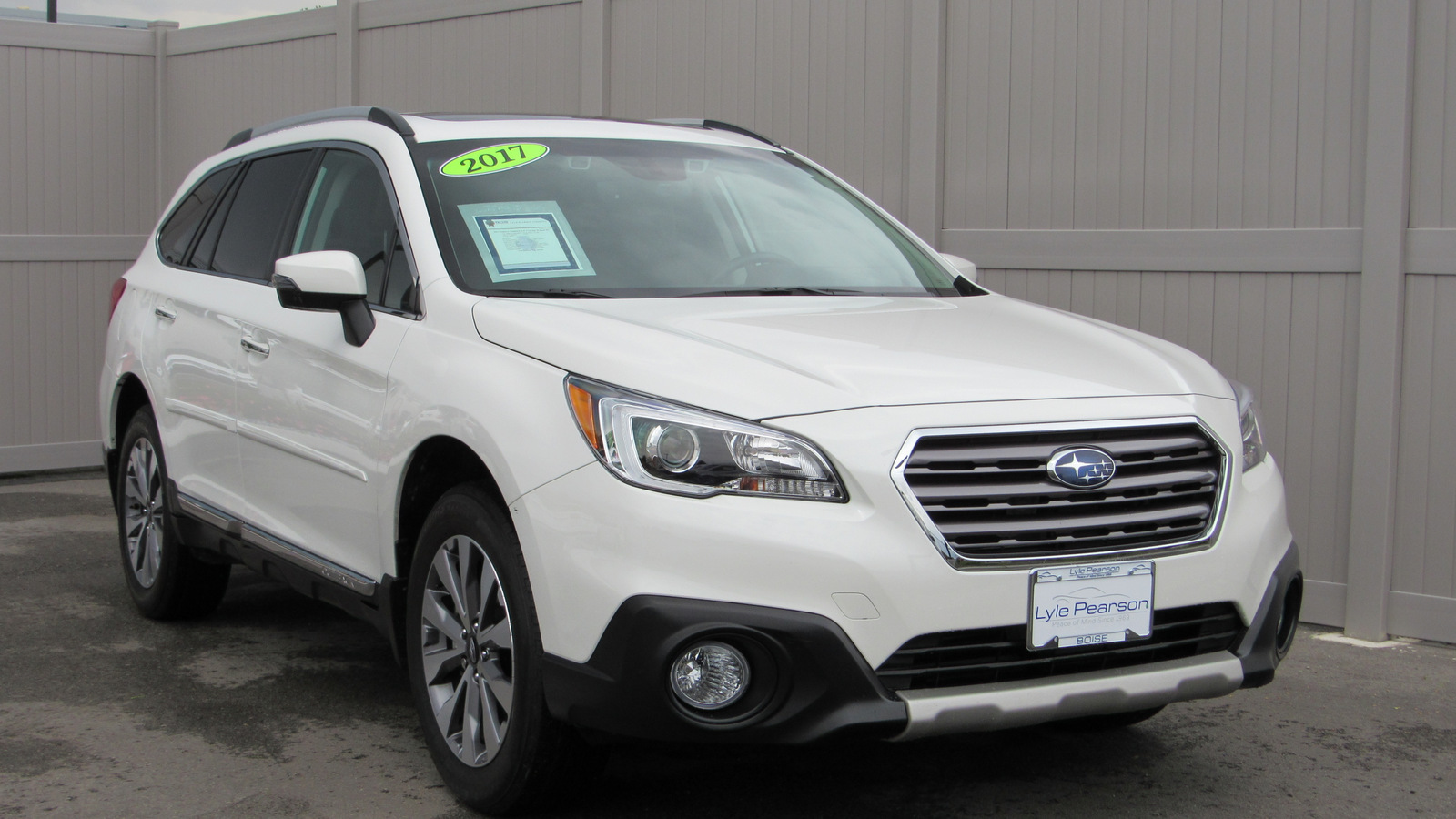 Pre-Owned 2017 Subaru Outback 2.5i Touring