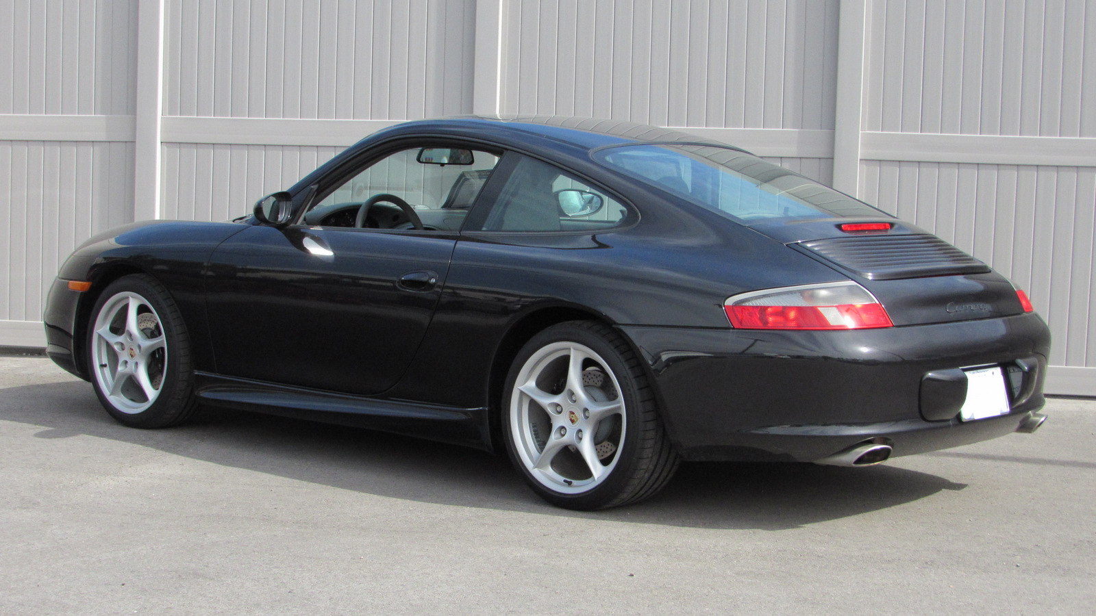 Pre-Owned 2003 Porsche 911 Carrera 2dr Carrera Cpe 6-Spd Manual