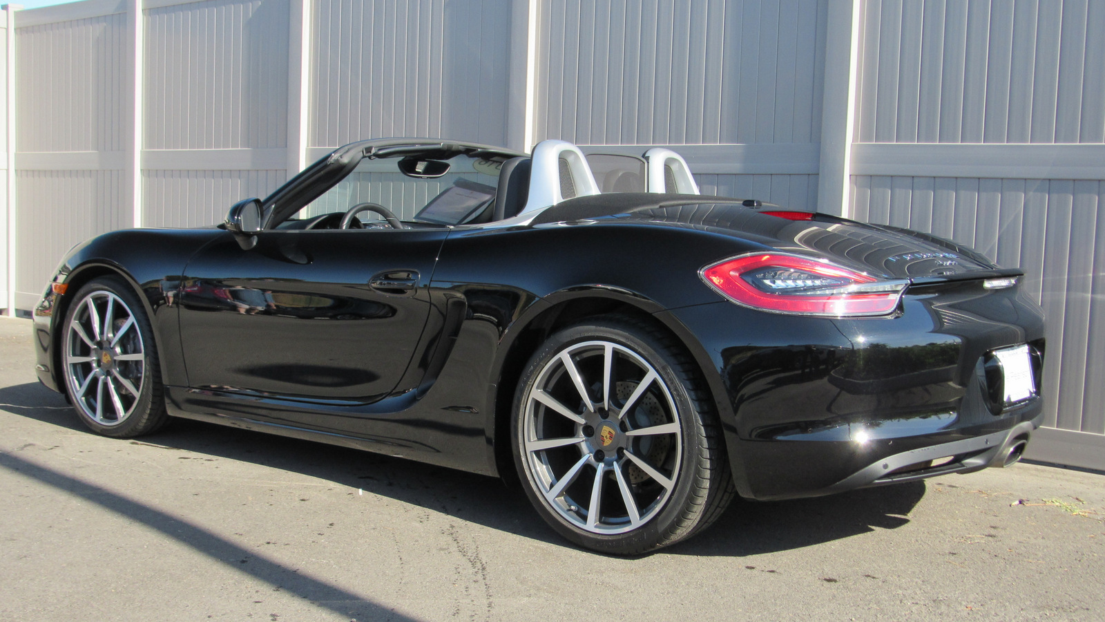 Pre-Owned 2016 Porsche Boxster 2dr Roadster Black Edition